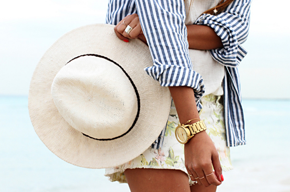 Jules - Beach look with a striped shirt, scaled, unsharp