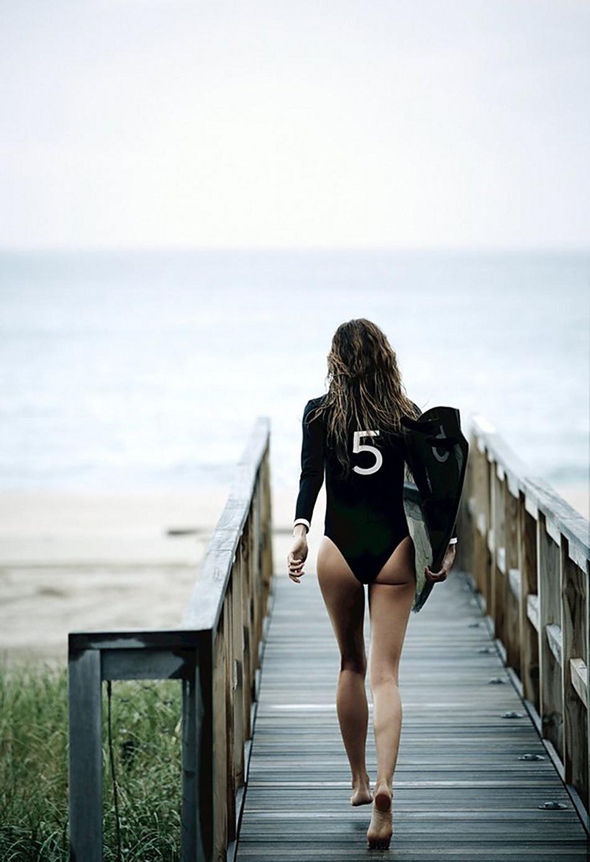 Crush on Gisele - Gisele with a no 5 swimsuit, unsharp, 2.0